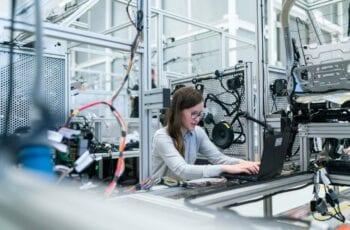 Redes-Sociais-Para-Indústrias-Vale-a-Pena-o-Investimento